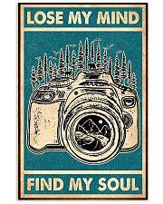 camera retro green lose min 11x17 Poster front