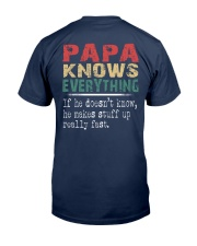 Papa - The man knows everything Classic T-Shirt back