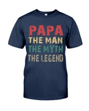 Papa - The man knows everything Classic T-Shirt front