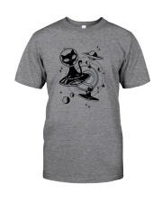 ALIEN BLACK CAT Classic T-Shirt front