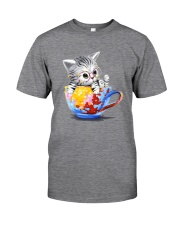 KITTY ON CUP HAND Classic T-Shirt front