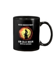 NEVER UNDERESTIMATE AN OLD MAN SAMURAI Mug thumbnail