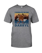 I WANNA BE THE ONE WHO HAS A BEER WITH DARRYL vt Classic T-Shirt front