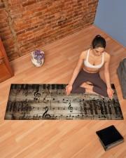 MUSICAL NOTE YOGA Yoga Mat 70x24 (horizontal) aos-yoga-mat-lifestyle-19