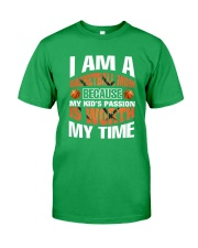 I AM A BASKETBALL MOM Classic T-Shirt front