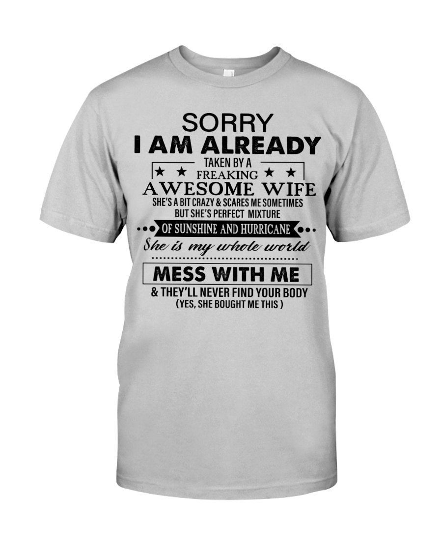SHE IS MY WHOLE WORLD Classic T-Shirt