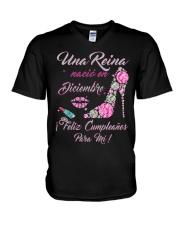 Una Reina Diciembre V-Neck T-Shirt thumbnail
