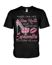 REINA DE SEPTIEMBRE V-Neck T-Shirt thumbnail