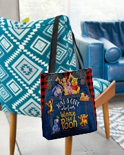 testtui All-over Tote aos-all-over-tote-lifestyle-front-01