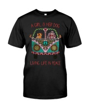 Hippie A girl and her dog Living in Peace Classic T-Shirt front