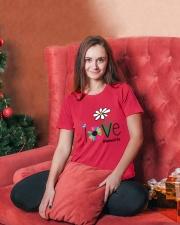 LOVE MIMI LIFE - ART Ladies T-Shirt lifestyle-holiday-womenscrewneck-front-2
