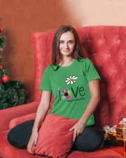 LOVE GRANDMA LIFE - ART Ladies T-Shirt lifestyle-holiday-womenscrewneck-front-2