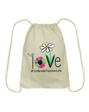 1ST GRADE TEACHER LIFE Drawstring Bag tile