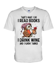 That's what I do I read books V-Neck T-Shirt thumbnail