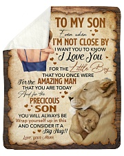 Even When Im Not Close By Lion Mom To Son Sherpa Fleece Blanket tile