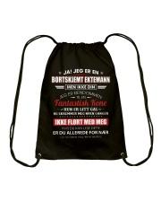 Jeg Er En Bortskjemt Ektemann men Ikke Din Drawstring Bag thumbnail
