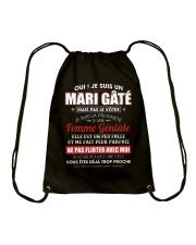 Je Suis Un Mari Gate Mais Pas Le Votre Drawstring Bag thumbnail