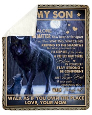 Never Feel That U Are Alone Wolf Mom To Son Sherpa Fleece Blanket tile