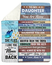 Never Feel That You Are Alone Mom To Daughter Sherpa Fleece Blanket tile