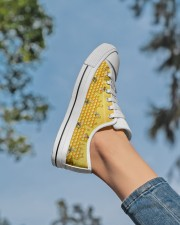 HoneyComb Bee Shoes Women's Low Top White Shoes aos-complex-women-white-low-shoes-lifestyle-01