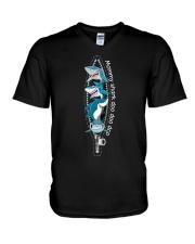 mommy-shark V-Neck T-Shirt thumbnail