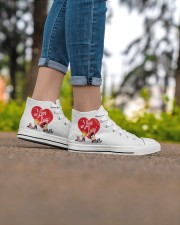 lucy love  Women's High Top White Shoes aos-complex-women-white-top-shoes-lifestyle-07