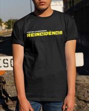 Contra la sentencia reincidencia Classic T-Shirt apparel-classic-tshirt-lifestyle-29