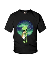 Alien And The Cat Youth T-Shirt thumbnail
