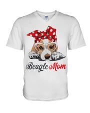 Beagle mom V-Neck T-Shirt thumbnail