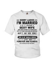 i'm married to a freakin sexy wife february Youth T-Shirt thumbnail