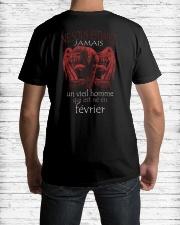 fevrier vieil homme Classic T-Shirt lifestyle-mens-crewneck-back-1