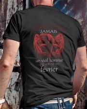 fevrier vieil homme Classic T-Shirt lifestyle-mens-crewneck-back-2