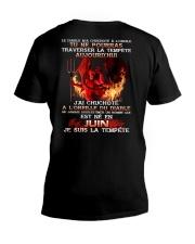 je suis la tempete juin V-Neck T-Shirt thumbnail