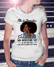 novembre meilleure Ladies T-Shirt lifestyle-women-crewneck-front-7