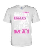 mai outes-les-femmes V-Neck T-Shirt thumbnail
