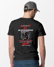 je suis ne en 80 Classic T-Shirt lifestyle-mens-crewneck-back-6