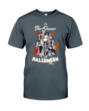 the queen Classic T-Shirt thumbnail