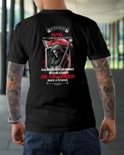 de me briser mai a choue avril Classic T-Shirt lifestyle-mens-crewneck-back-3