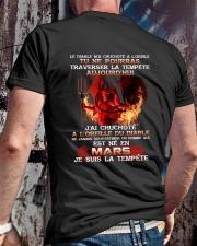 je suis la tempete mars Classic T-Shirt lifestyle-mens-crewneck-back-2