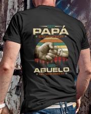 ser papa es un honor Classic T-Shirt lifestyle-mens-crewneck-back-2