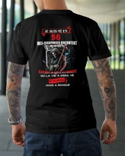 je suis ne en 58 Classic T-Shirt lifestyle-mens-crewneck-back-3