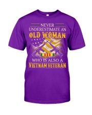 Never Underestimate An Old Woman Classic T-Shirt front