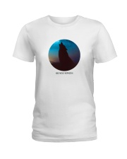 She wolf howling Ladies T-Shirt thumbnail