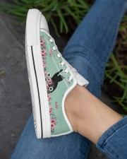 Black cats  LOW TOP SHOES 2 Women's Low Top White Shoes aos-complex-women-white-low-shoes-lifestyle-03