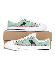 Black cats  LOW TOP SHOES 2 Women's Low Top White Shoes inside-right-outside-right