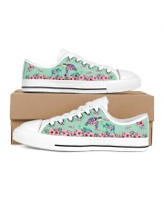 TURTLE LOW TOP SHOES 2 Women's Low Top White Shoes inside-left-outside-left