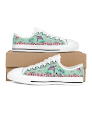 TURTLE LOW TOP SHOES 2 Women's Low Top White Shoes inside-right-outside-right