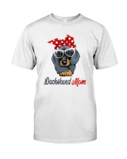 Dachshund Mom Classic T-Shirt front