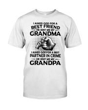 Grandma is my best friend Classic T-Shirt front