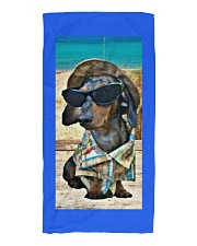 Beachin' it with Hank Beach Towel front